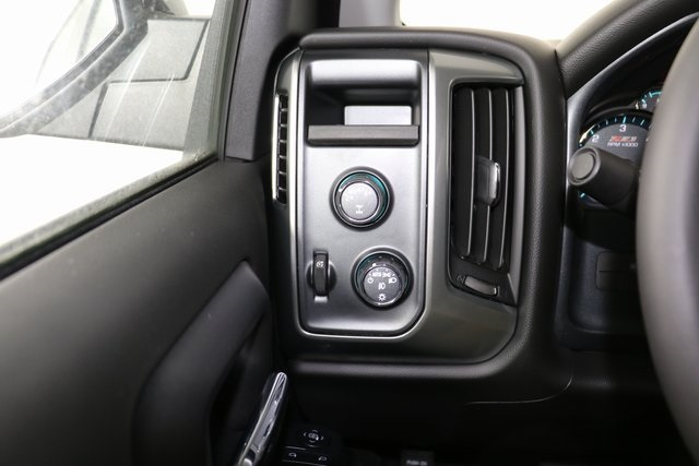 2018 Silverado 1500 Crew Cab 4x4,  Pickup #8453 - photo 22