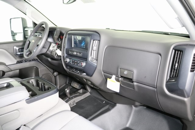 2019 Silverado 2500 Crew Cab 4x4,  Pickup #9094 - photo 30