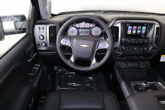 2019 Silverado 2500 Crew Cab 4x4,  Pickup #9102 - photo 14