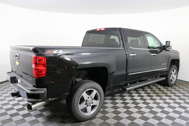 2019 Silverado 2500 Crew Cab 4x4,  Pickup #9102 - photo 10