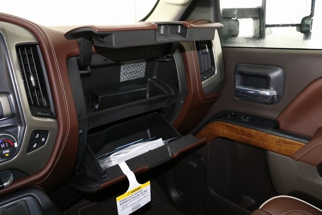 2019 Silverado 2500 Crew Cab 4x4,  Pickup #9134 - photo 27