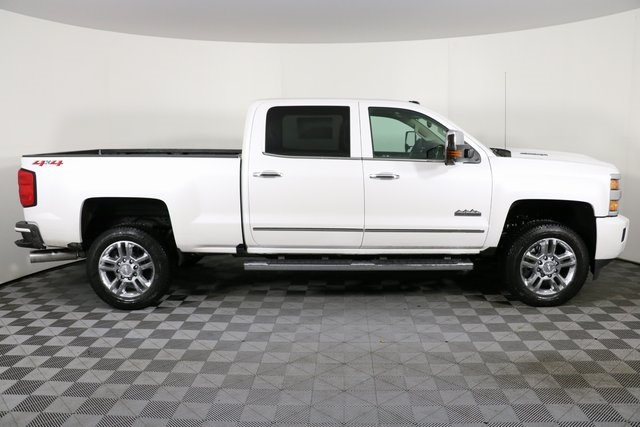 2019 Silverado 2500 Crew Cab 4x4,  Pickup #9134 - photo 9