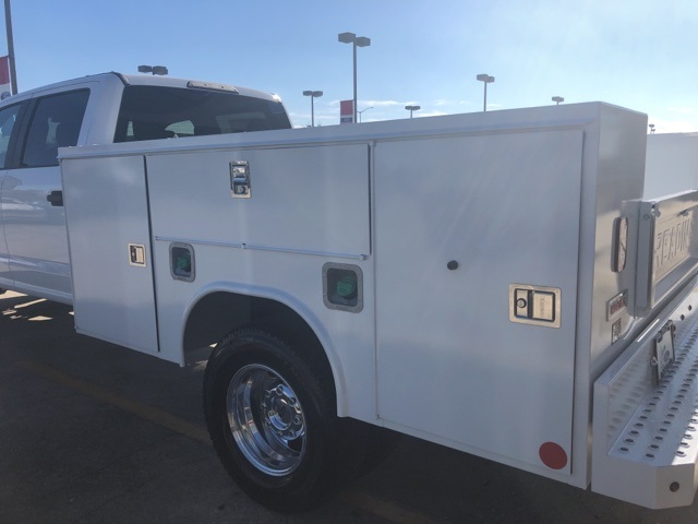 2019 F-350 Crew Cab DRW 4x4,  Reading SL Service Body #F405 - photo 2