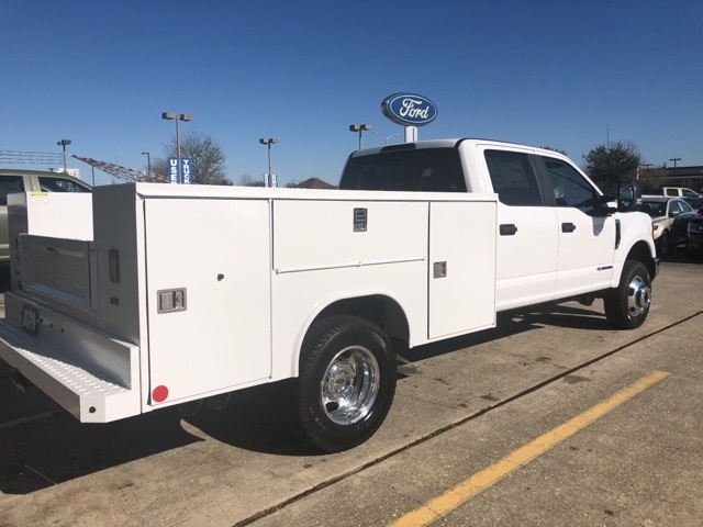 2019 F-350 Crew Cab DRW 4x4,  Reading SL Service Body #F405 - photo 8