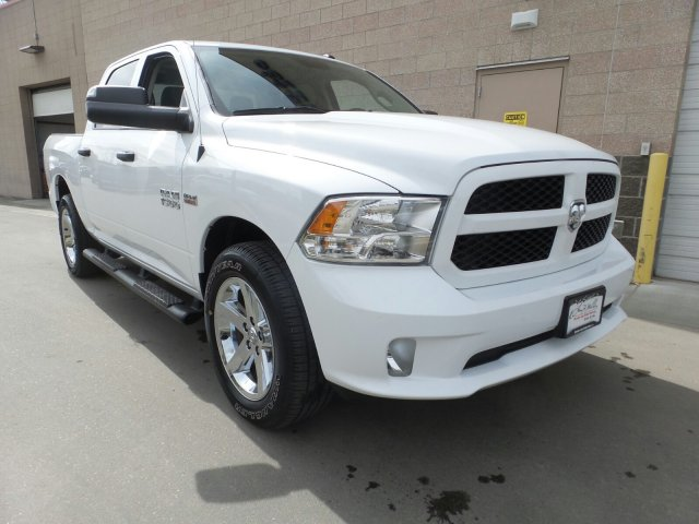 2018 Ram 1500 Crew Cab 4x4,  Pickup #R254516 - photo 4