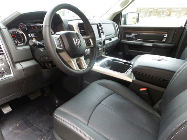 2018 Ram 1500 Crew Cab 4x4,  Pickup #R354292 - photo 11