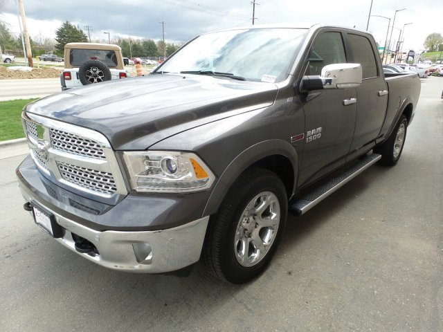 2018 Ram 1500 Crew Cab 4x4,  Pickup #R354292 - photo 9