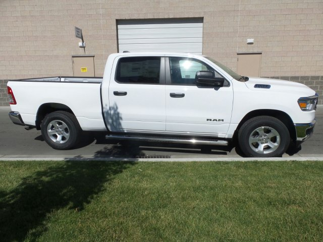 2019 Ram 1500 Crew Cab 4x4,  Pickup #R554182 - photo 3