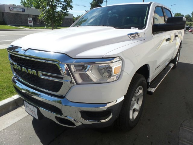 2019 Ram 1500 Crew Cab 4x4,  Pickup #R554182 - photo 7