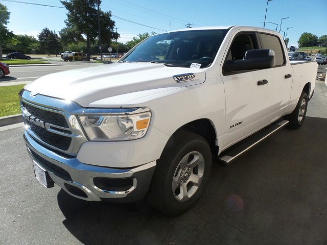 2019 Ram 1500 Crew Cab 4x4,  Pickup #R554184 - photo 8