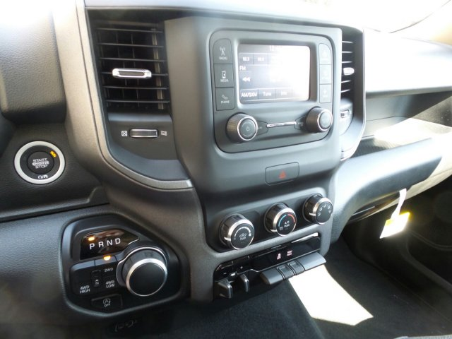 2019 Ram 1500 Crew Cab 4x4,  Pickup #R605288 - photo 14