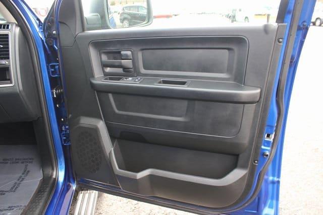 2017 Ram 1500 Quad Cab 4x4, Pickup #RU910 - photo 26