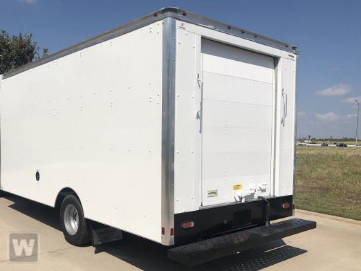 2021 Chevrolet Express 3500 DRW 4x2, Supreme Cutaway Van #211194 - photo 1