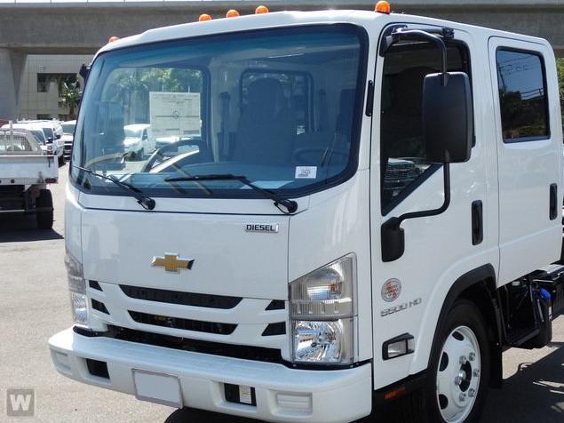 2018 Chevrolet LCF 5500HD Crew Cab RWD, Custom Truck Body & Equipment Stake Bed #184003 - photo 1