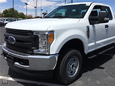 2017 F-250 Super Cab 4x4 Pickup #D713798 - photo 1