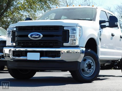 2018 F-350 Crew Cab DRW 4x4, CM Truck Beds DT Model Platform Body #813601 - photo 1