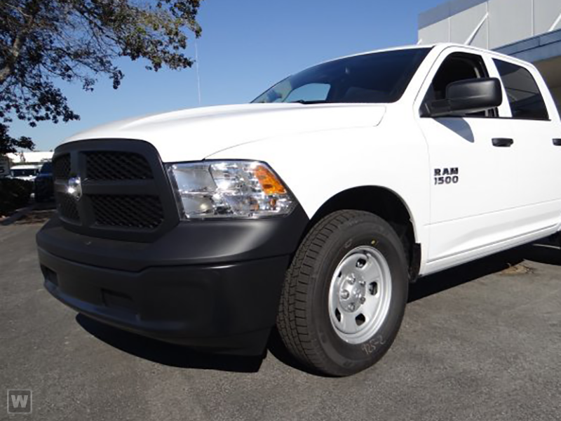 2018 Ram 1500 Crew Cab 4x4, Pickup #JS277471 - photo 1