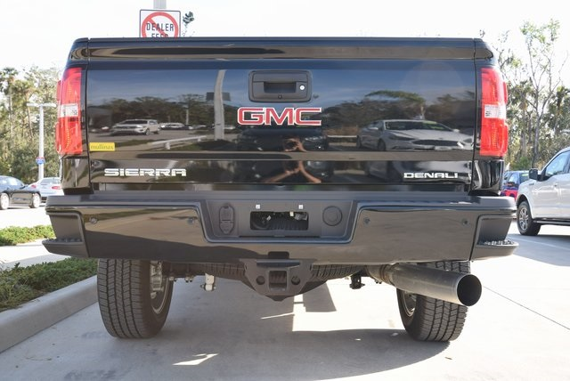 2017 Sierra 2500 Crew Cab 4x4 Pickup #103645 - photo 11
