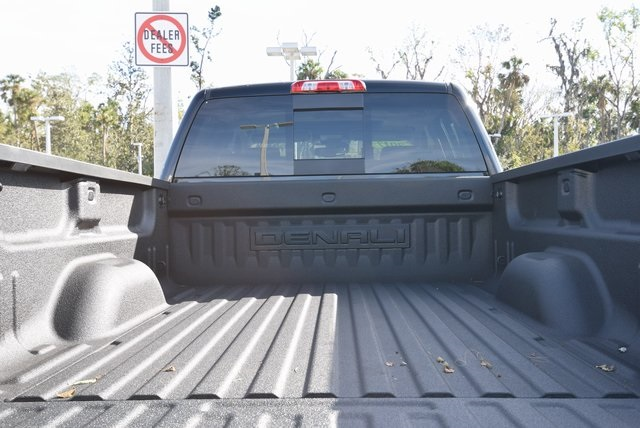 2017 Sierra 2500 Crew Cab 4x4 Pickup #103645 - photo 3