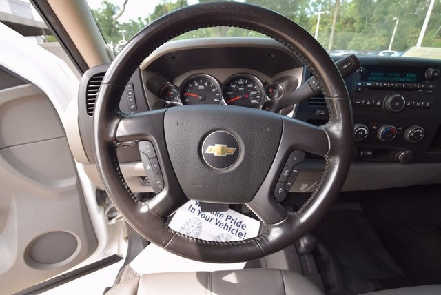 2013 Silverado 3500 Crew Cab 4x4, Pickup #167918 - photo 17