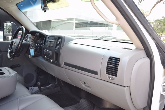 2013 Silverado 3500 Crew Cab 4x4, Pickup #167918 - photo 32