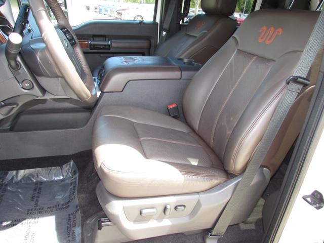 2015 F-250 Crew Cab 4x4, Pickup #B75853 - photo 16