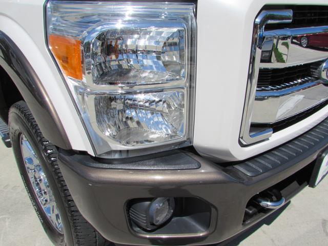 2015 F-250 Crew Cab 4x4, Pickup #B75853 - photo 4
