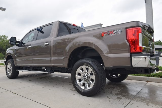2017 F-250 Crew Cab 4x4, Pickup #C74377 - photo 3