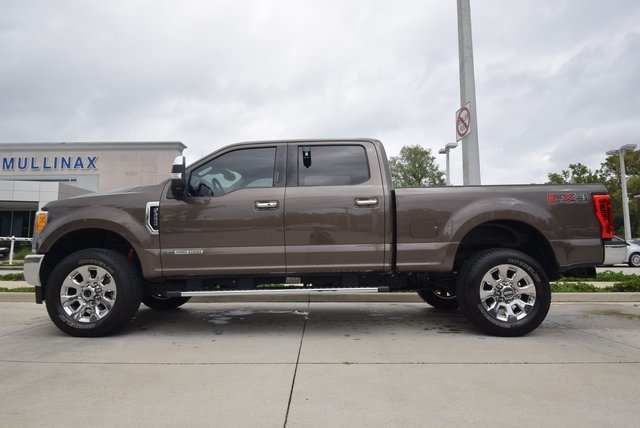 2017 F-250 Crew Cab 4x4, Pickup #C74377 - photo 4