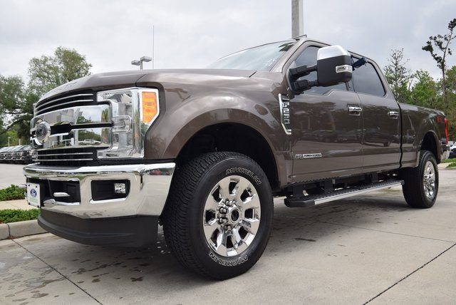 2017 F-250 Crew Cab 4x4, Pickup #C74377 - photo 5