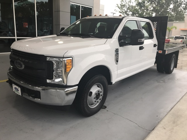 2017 F-350 Crew Cab DRW, Platform Body #HB81112 - photo 6