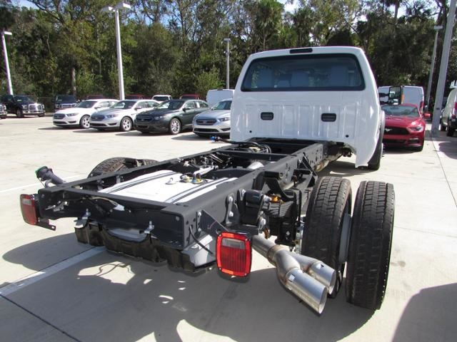 2016 F-550 Crew Cab DRW 4x4, Cab Chassis #HD29938 - photo 2