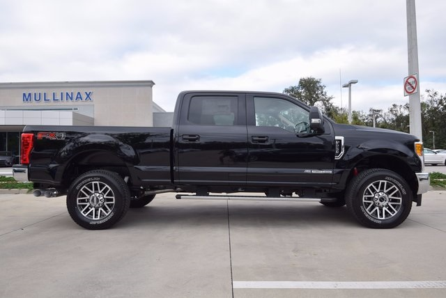2017 F-250 Crew Cab 4x4, Pickup #HF07530 - photo 3