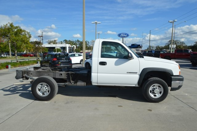2007 Silverado 2500 Regular Cab 4x4 Cab Chassis #127458C - photo 3