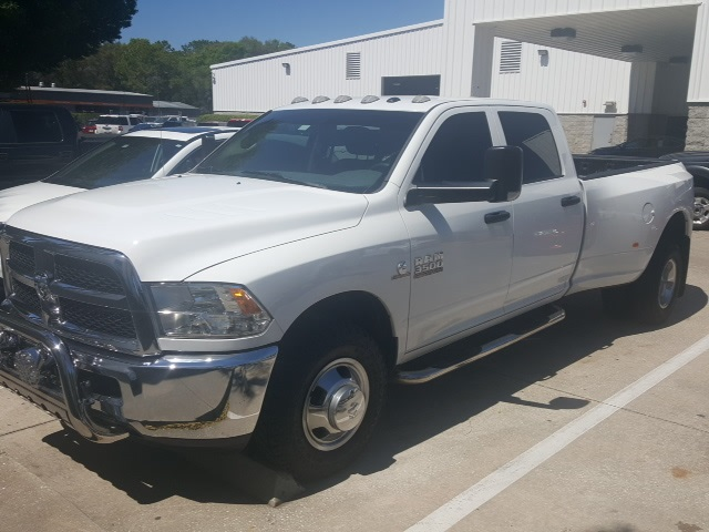 2014 Ram 3500 Crew Cab DRW, Pickup #317088 - photo 3