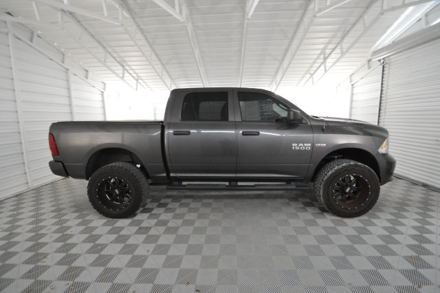2014 Ram 1500 Crew Cab 4x4, Pickup #381103 - photo 4