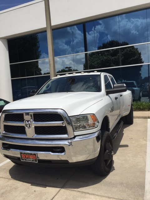 2015 Ram 3500 Crew Cab DRW 4x4, Pickup #561457 - photo 3
