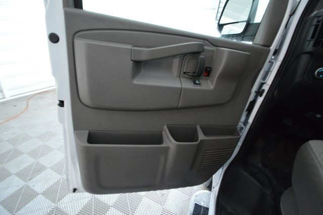 2017 Savana 2500,  Empty Cargo Van #911224M - photo 13