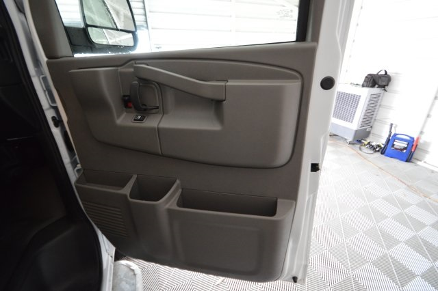 2017 Savana 2500,  Empty Cargo Van #911224M - photo 17