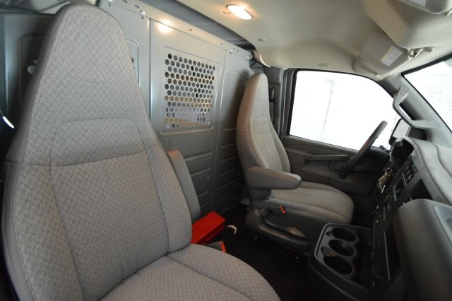 2017 Savana 2500,  Empty Cargo Van #911224M - photo 19