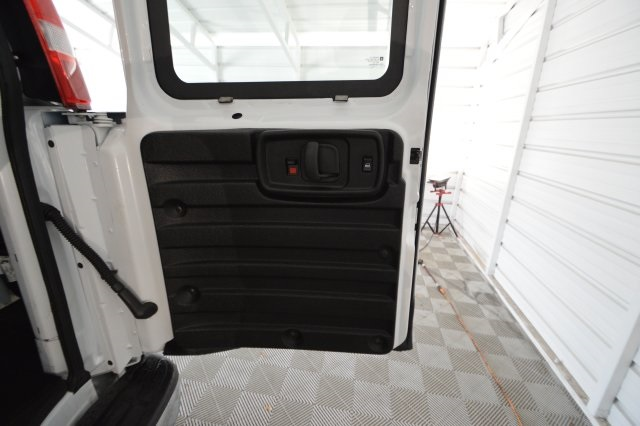 2017 Savana 2500,  Empty Cargo Van #911224M - photo 21