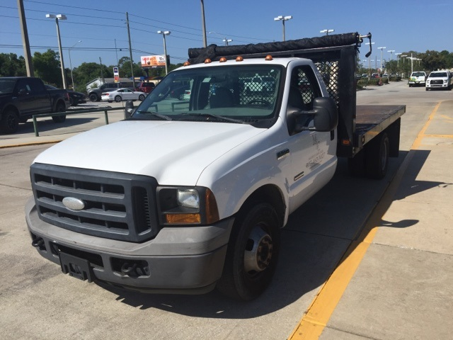 2006 F-350 Regular Cab DRW, Platform Body #A79465 - photo 3