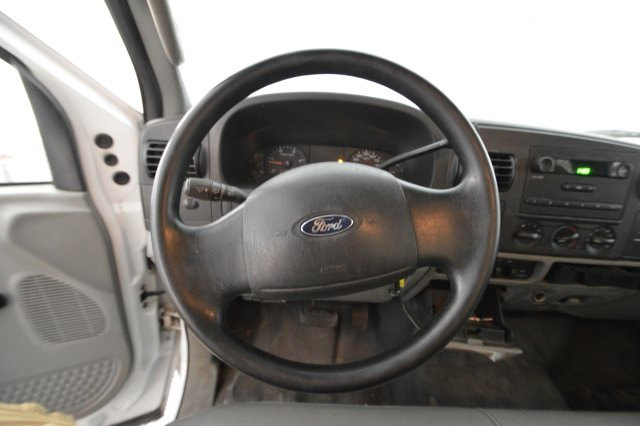 2006 F-350 Regular Cab DRW, Platform Body #A79465 - photo 23