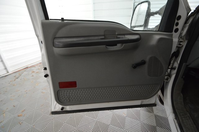 2006 F-350 Regular Cab DRW, Platform Body #A79465 - photo 20