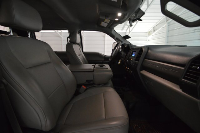 2017 F-350 Crew Cab DRW 4x4,  Platform Body #C68276F - photo 25