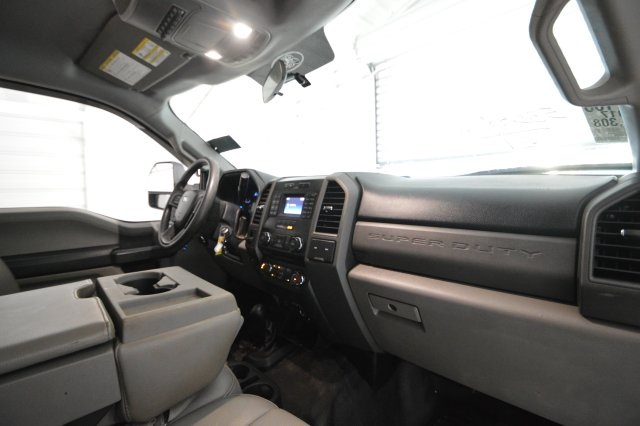 2017 F-350 Crew Cab DRW 4x4,  Platform Body #C68276F - photo 27
