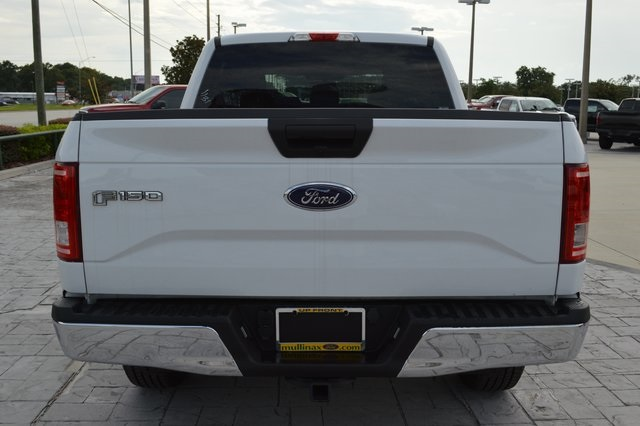2017 F-150 Crew Cab 4x4, Pickup #FB35223 - photo 4