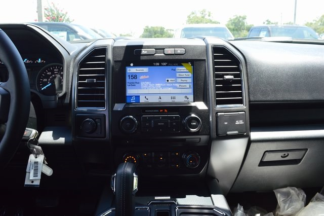 2018 F-150 SuperCrew Cab 4x2,  Pickup #FE21522 - photo 7