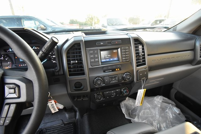 2019 F-350 Regular Cab DRW 4x2,  Reading Service Body #HC25597 - photo 12