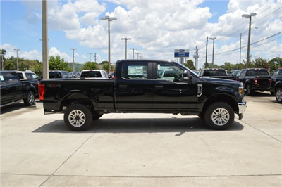 2018 F-250 Crew Cab 4x4,  Pickup #HC36634 - photo 3
